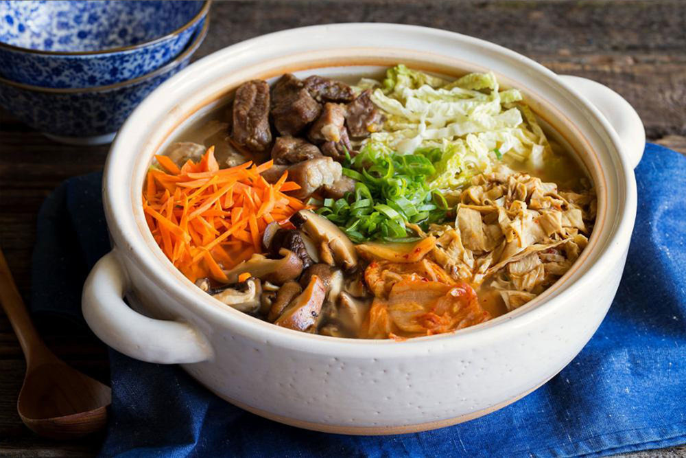 HodoFoods-Recipe-Chef-JustineKelly-SunBasket-Pork-and-shittake-nabe-hot-pot-with-yuba-noodles.jpg