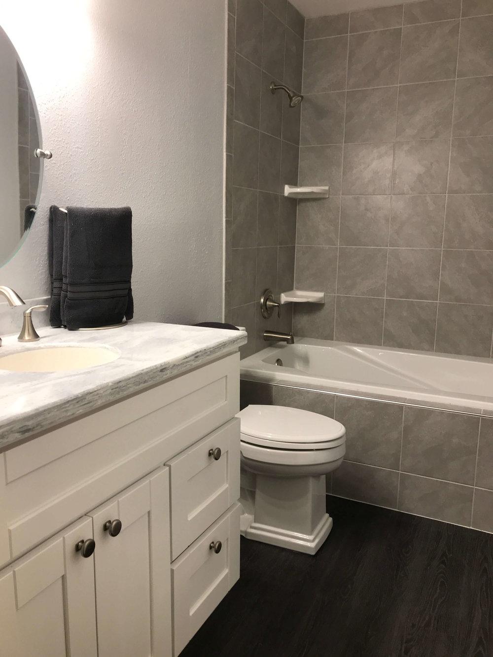 big-yeti-builders-bathrooms-11.jpg