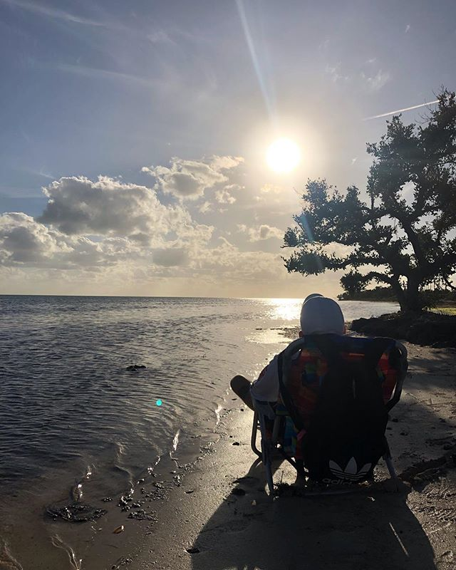 So excited that after a long week of working out and training at the university preparing for my upcoming surgery, we were able to take a road trip down to the Florida Keys! Absolutely incredible and such a amazing experience! Also got to eat at one of Guy Fieris favourite spots, the Green Turtle Inn!  #spinalcordinjury #sci #goingthedistance #miami #paralysis #smile #adventure #wheelchair #yeg #travel #thankful #motivate #sucsess #influencer #florida #usa #miamiliving #inspire #beach #hot #roadtrip #floridakeys #food