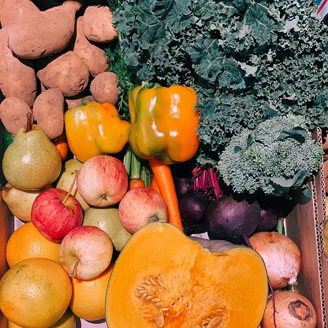 Such yummy box goodness today.  What's something you're making with your fruit or veg this week?  #supportlocal #fruitandveg #supportlocalfarmers #community #parkigrocer