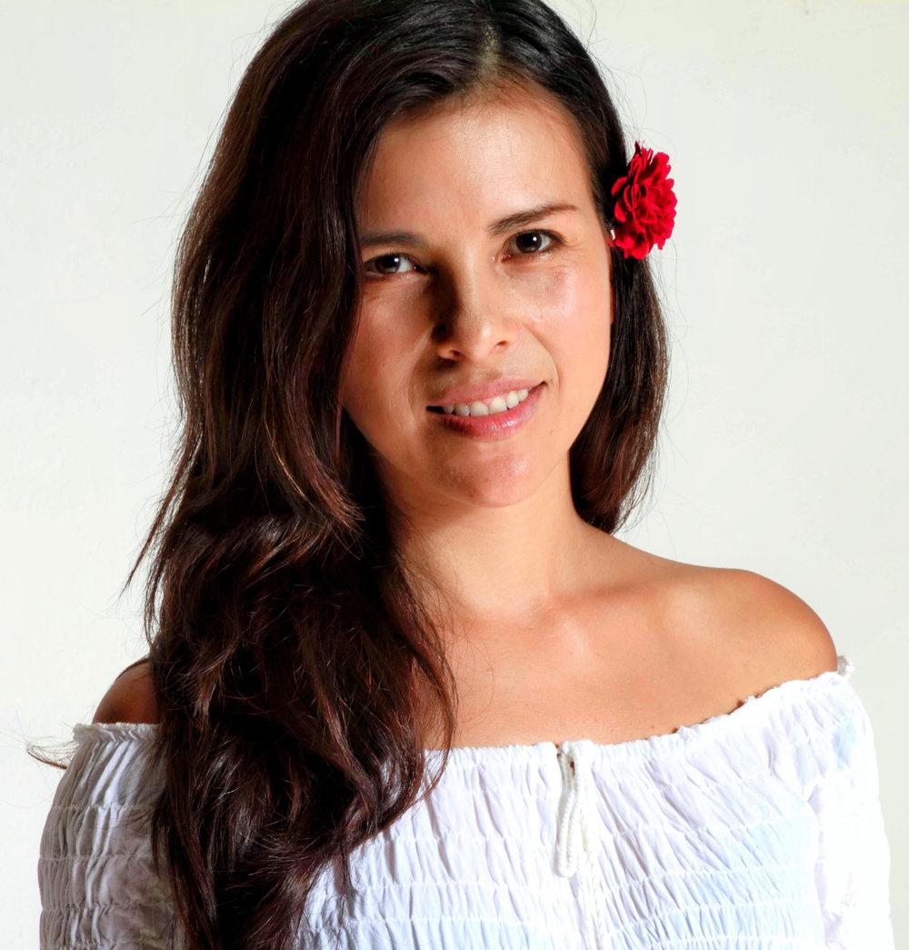 Organic Yoga & Healthy Food Daiana Romero.jpg