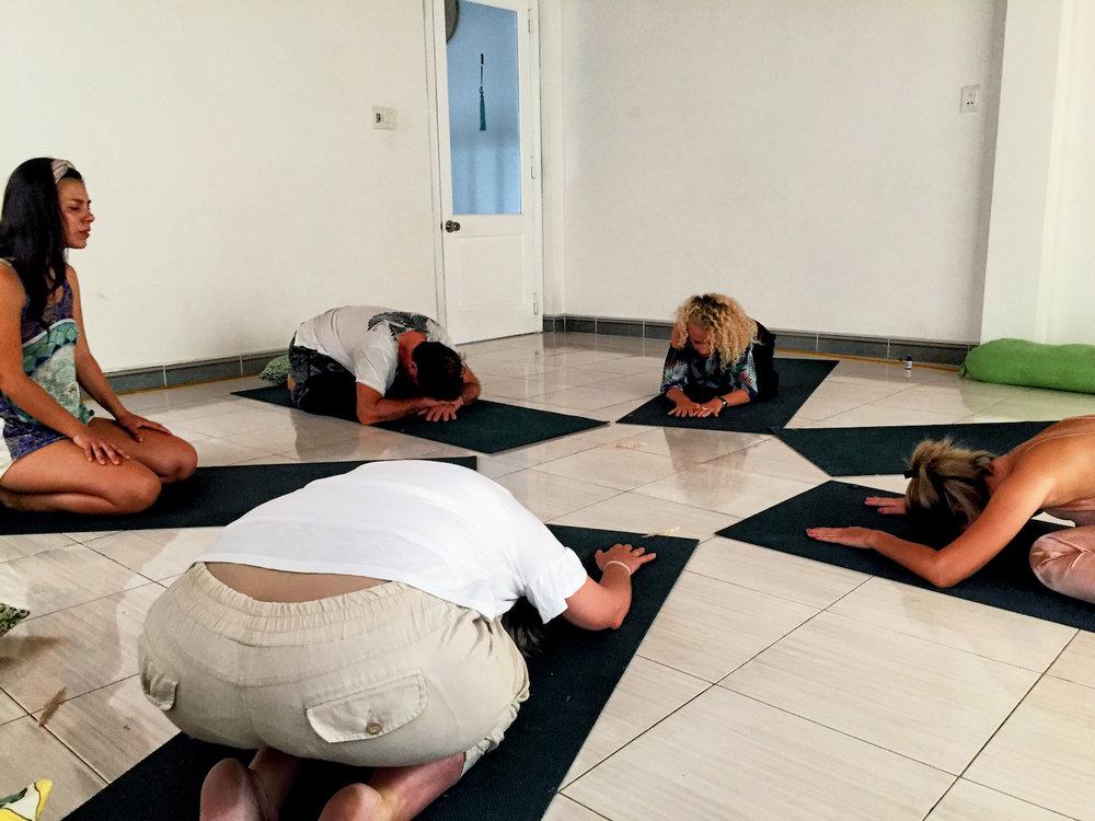 Retreat-Organic-Yoga-Healthy-Food-meditation.jpg