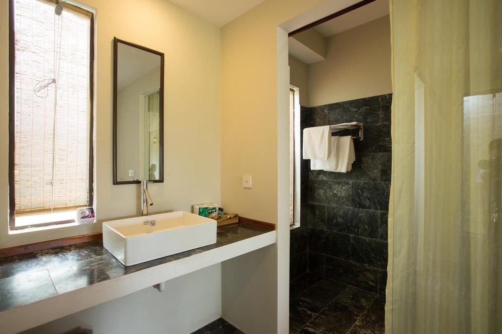 Gem-Villa-Hoi-An-Bathroom.jpg