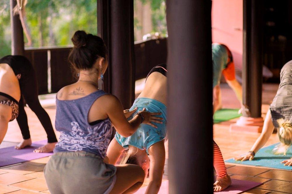 Aloha-Yoga-Retreat-Class.jpg