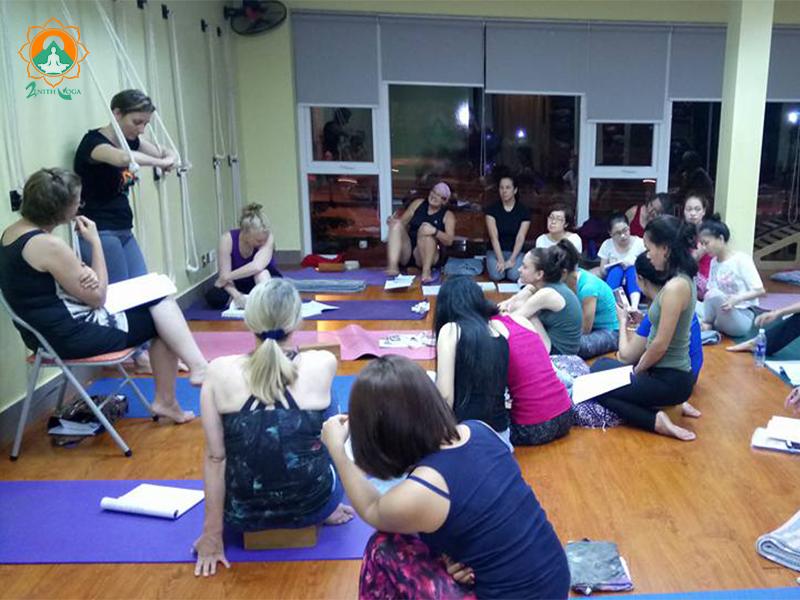 Zenith-Hanoi-Yoga-Teacher-Training-Class-Ropes.png
