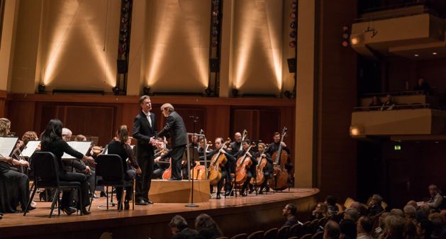 Tenor Ian Bostridge performing Berlioz's Les nuits d'été with Ludovic Morlot and the Seattle Symphony in Benaroya Hall on November 2, 2017. Photo by Brandon Patoc.
