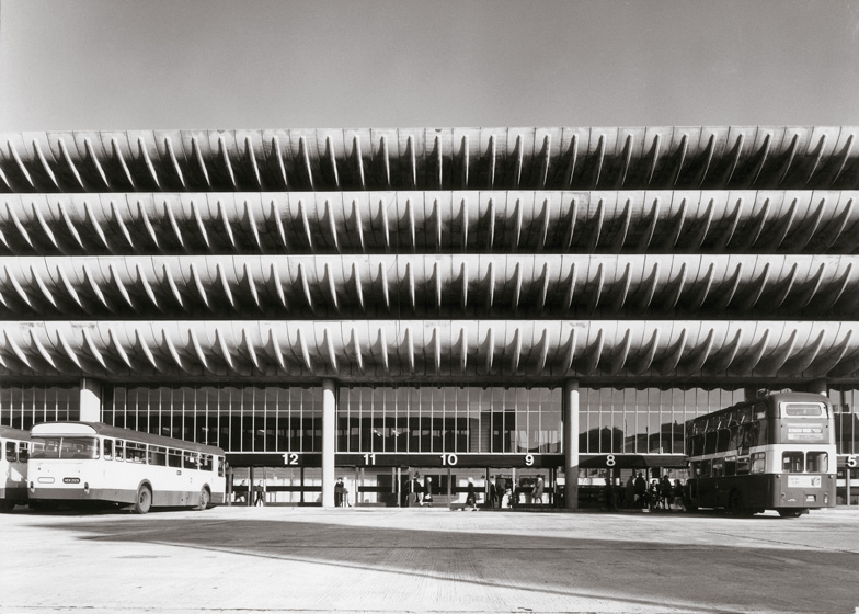 Preston-Bus-Station-by-Building-Design-Partnership_dezeen_ss8.jpg