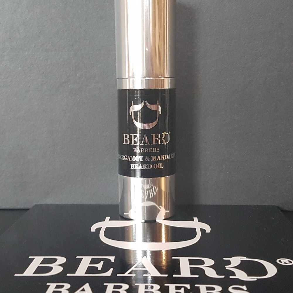 Beard Barbers Oils Bergamot with Mandarin, Most Love It! 30ML    Warm a few drops of Beard Oil in the hands before gently smoothing and massaging into the beard. For best results brush into style using a Beard Brush.     Amodimethicone, Cyclomethicone, Cyclopentasiloxane Dimethiconol, Citrus nobilis (Mandarin Orange) Peel Oil, Citrus Bergamia (Bergamot) Fruit oil, Prunus armeniaca (Apricot) Kernel Oil,Tocopherol (Vitamin E) oil