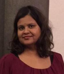 """Hege Anuja Drøsdal  Forfatteren av novellen «Mellom fornuft og følelser» er født 1979 i India og oppvokst i Arna utenfor Bergen. Drøsdal skriver alt fra dikt og småtekster til lengre noveller. «Mellom fornuft og følelser» er hennes første publiserte novelle. Hun liker å lese bøker i sjangrene krim og spenning, men også historiske romaner som finner sted på 1700- og 1800-tallet. Ellers går hun en del på kino og er glad i musikk.   Les begynnelsen på novellen """"Mellom fornuft og følelser"""""""