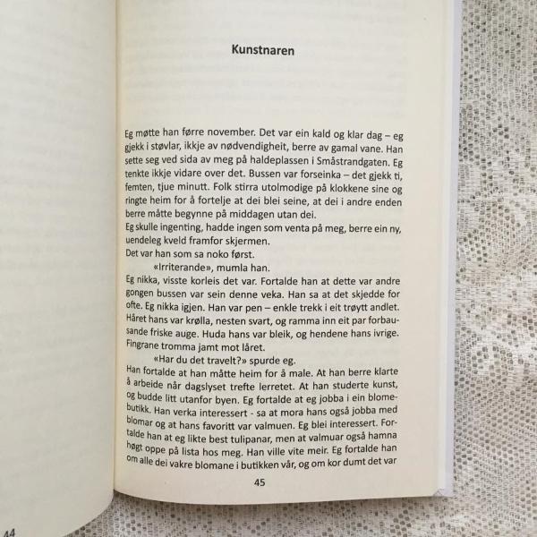Neste smakebit  Kunstnaren av Ida Apelseth Skaare