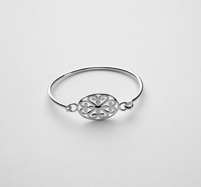 Southern Gates Oval Scroll Flip-Top Bracelet