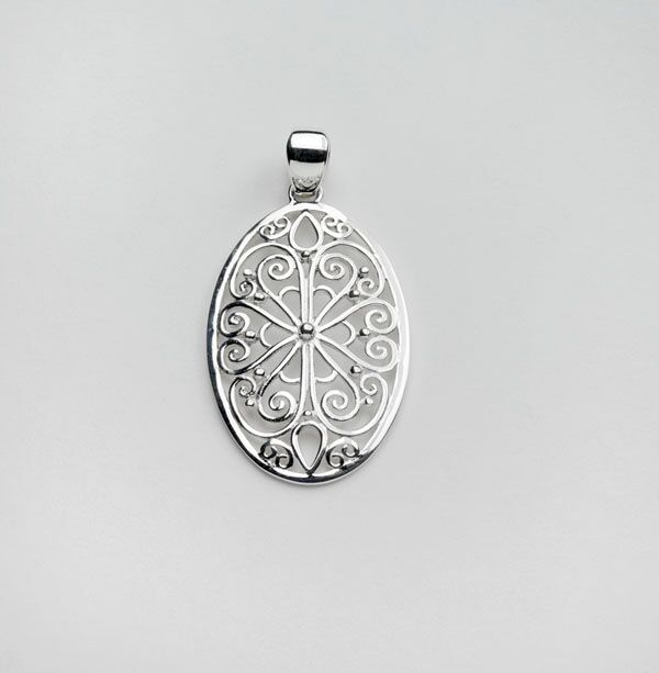 Southern Gates Oval Flower Filigree Pendant
