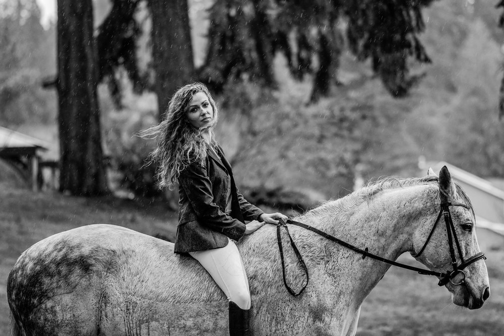 90 Minute   $750 - Unlimited outfit changesUp to four horses included50 Digital ImagesMultiple shoot locations if desiredWaived travel fees up to 100 miles