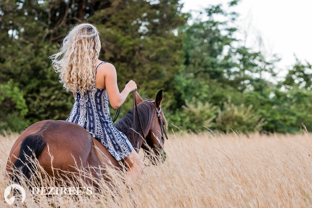 Morgan rocked this dress for her session, which was long enough, and loose enough to allow her to jump up on her horse.