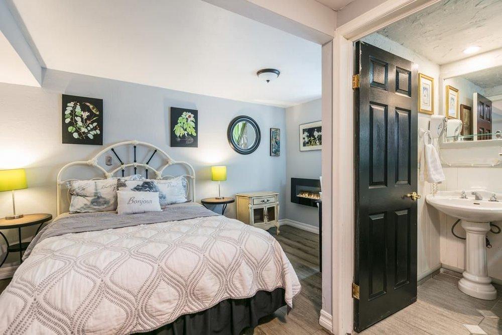 Bedroom 5 2.jpg