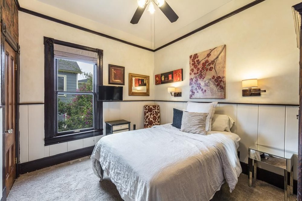 Bedroom .1.jpg