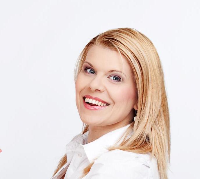 Angelika Dudova.png
