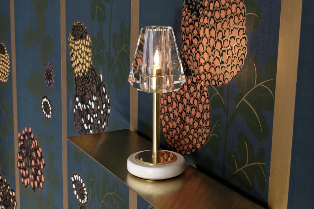 The  Aquiline Single Stem Table Lamp .