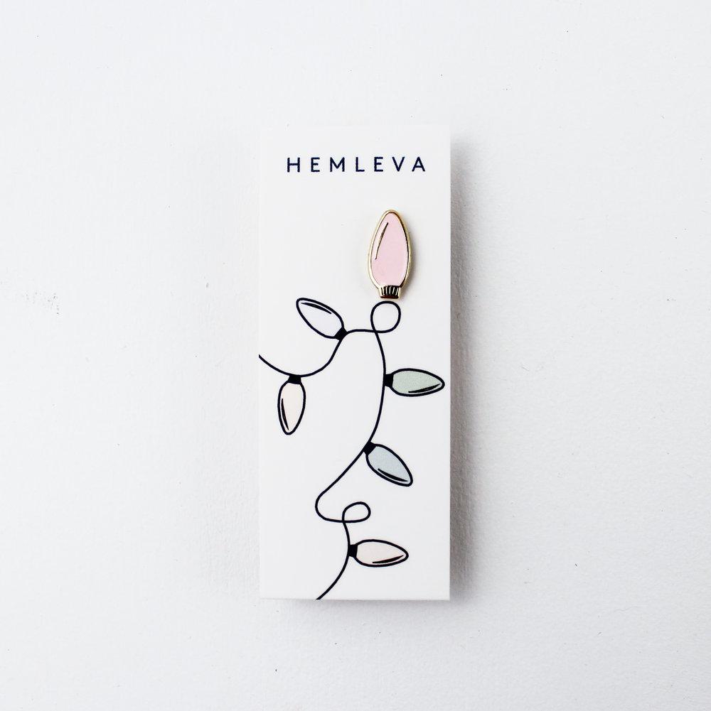 Twinkle Light Pin by Hemleva 1.jpg