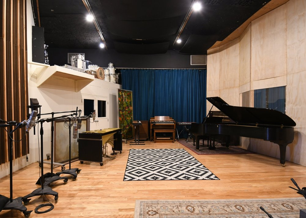 Welcome to Barefoot Recording -
