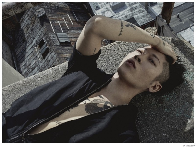 Miyavi-Interview-Magazine-December-2014-January-2015-Photo-Shoot-005-800x599.jpg
