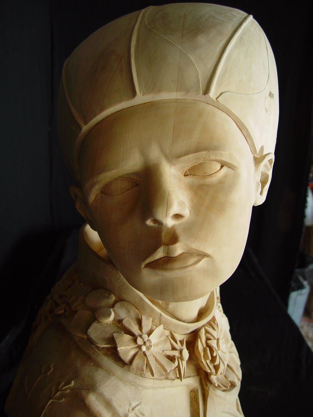 queen sculpture in progress eight