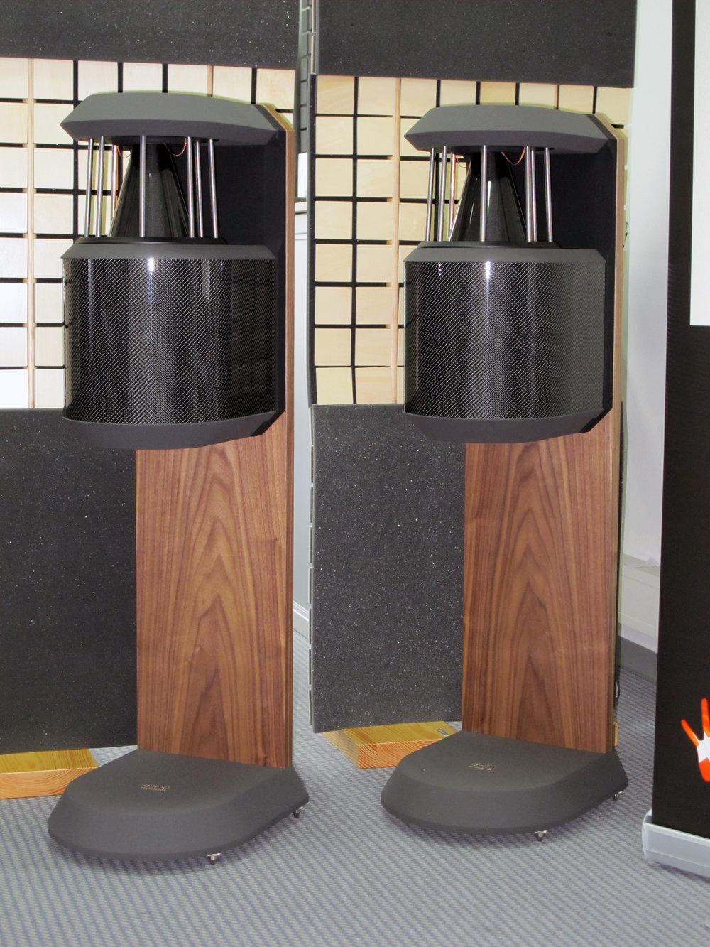 PQS-100 Plus loudspeakers | Munich Hi-Fi Show 2010, Germany