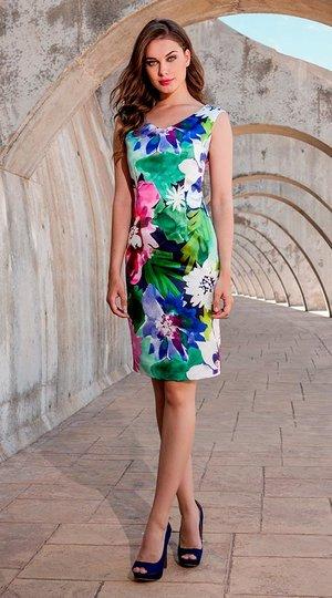 033ac8e010 Vestido corto con estampado floral