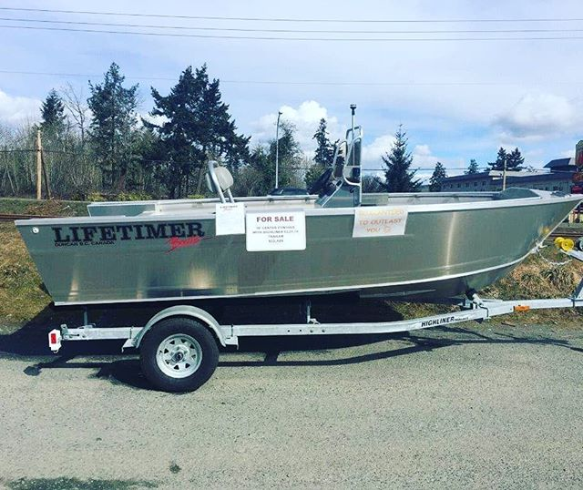 We've got a brand new Lifetimer 16' Center Console on a new trailer available for sale. A rare opportunity to jump the wait list for one of these badass boats. DM us on here or hit the website www.lifetimerboats.com/contact for more pics and info. #lifetimer #lifetimerboats #boatforsale #aluminumboat #boatlife #explore #fishing #getoutthere