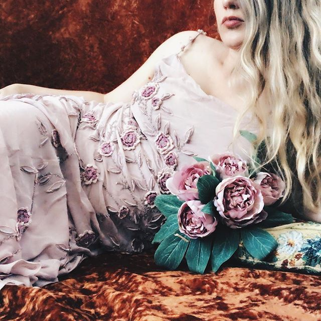 I think I may have been inspired a little by @annstreetstudio and her beautiful self portraits when I took this selfie. A little bit of romance never hurt anyone { velvet bedspread, butterfly cushions and dress all thrifted } . . . . . . . , . . . #thrifted #thriftedfashion #romance #bohoselfie #selfportait #flowers #velvet #bohophotography #bohoboudoirphotography #bohoboudoir #opshopfinds #recycledfashion #embroidery #longhair #rubenesque #loungingaround #woman #thriftstorefinds #ootd #ootdshare #fashiondiaries #stylediaries #thriftstylist #todayimwearing #whatimwearing