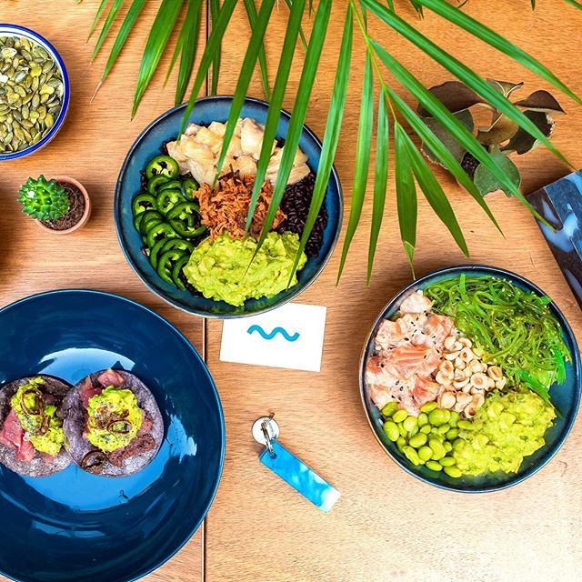 There is #Poke for everyone at #goodblue 💙 . On Saturday we're open from 12 to 23 . #begood #milano #healthyfood