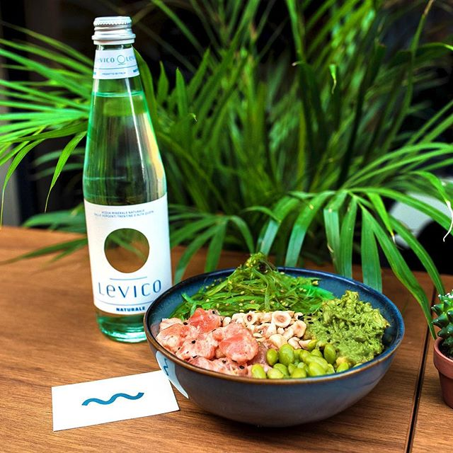 Salmon #Poke. No more words needed. 🥦🍚🐟 #milano #begood #goodblue #healthyfood #healthy