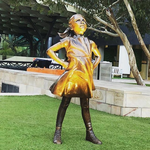The #FearlessGirl makes her home in Melbourne's Federation Square just in time for #IWD thanks to three Australian businesses with a proven commitment to making gender equality a reality. 💫 Congratulations to one of our clients @cbusproperty for being one of the companies that made this happen. 📸Photo thanks to @realjostanley . . . #cbus #partner #fearlessgirl #internationalwomensday