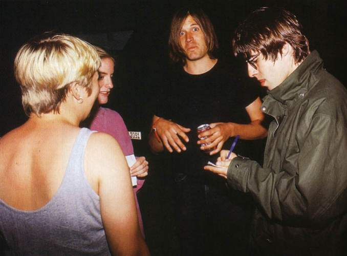 evan dando and noel gallagher 3.jpg