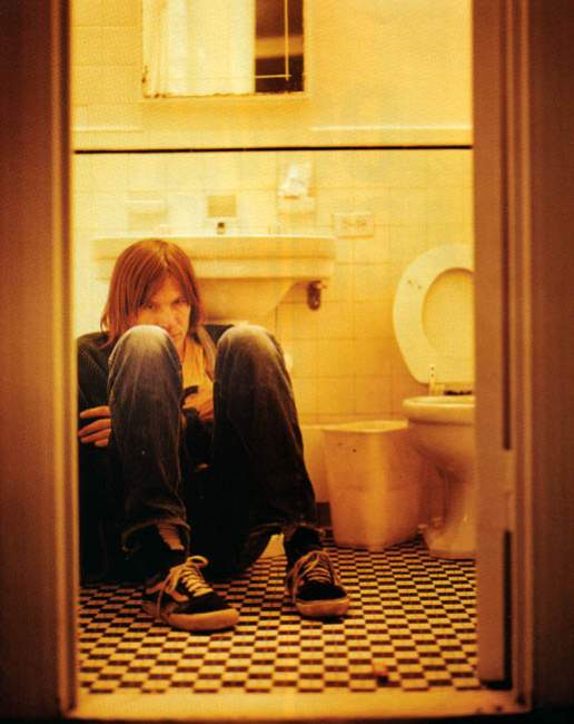 magnet 2003 evan dando in bathroom 2.jpg
