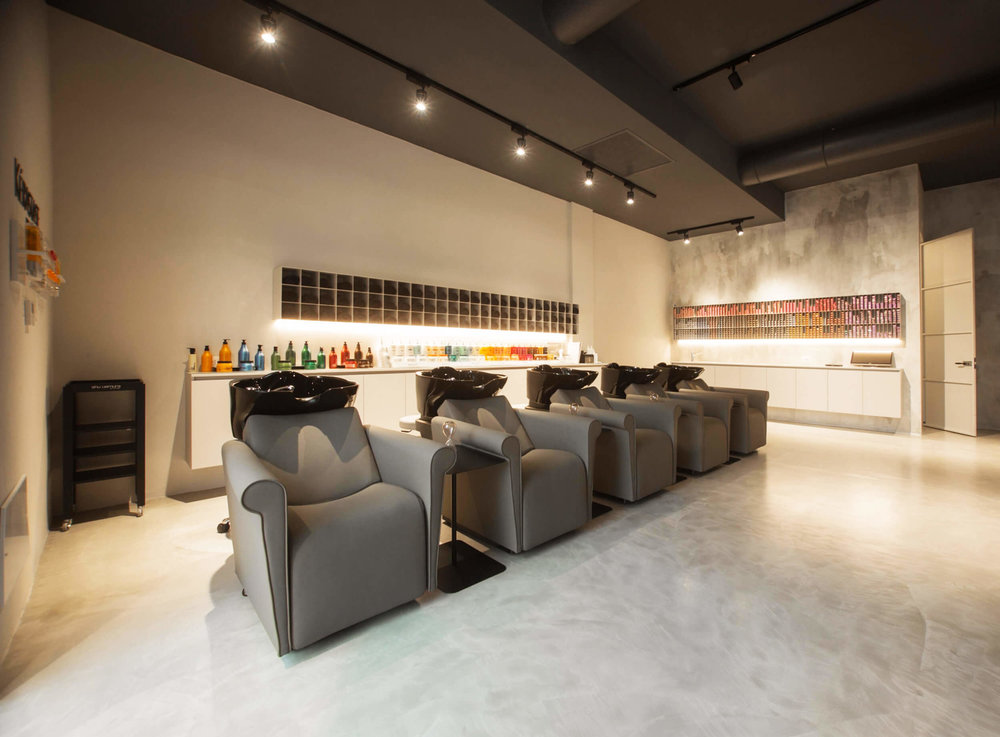 Echos-Coiffure-mobilier-Maletti-Bac-shampooing-Lord-Nelson.jpg