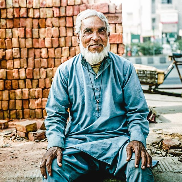 Brick mason in New Delhi, India. 2009. Shot on a Kowa Six medium format with expired film. . . . . . . . . . . #india #film #mediumformat #travel #adventure #portrait #streetphotography #color