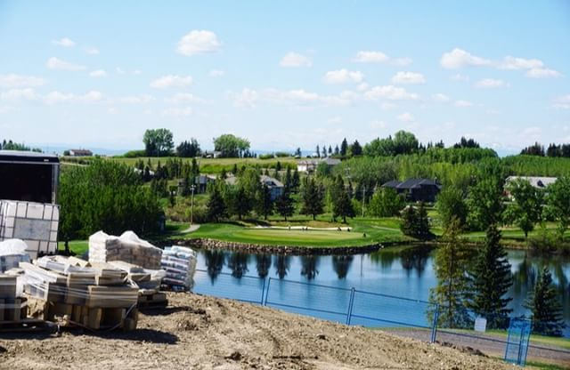 BEARSPAW || Beautiful mountain view from the new @golfbearspaw clubhouse! Great view to look at everyday at work. . . . #macleodbuilders #construction #yycconstruction #macleodandproud #yycbuilders #macleodbuilt #contracting #meetthemakers #yyccontractors #yyccontracting #yycconstruction #macleodbuilders #yycscene #yycnow #yyclove #yyc #bearspaw #golfbearspaw