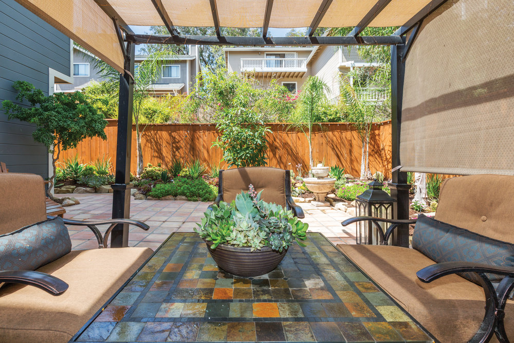 patio arbor.jpg