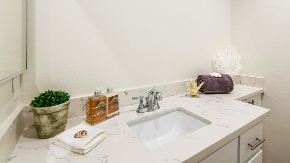 12 Bath counter.jpg