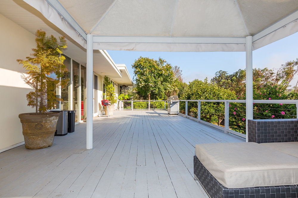 Expansive Deck