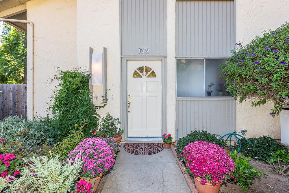 01 front door.jpg