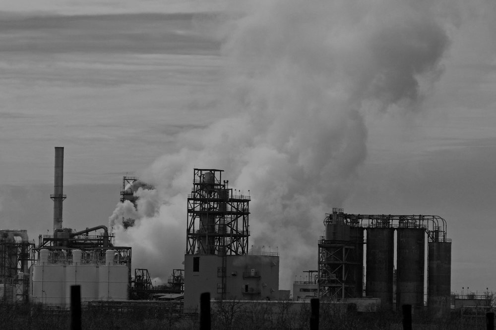 oil-refinery-1239476-1279x852.jpg