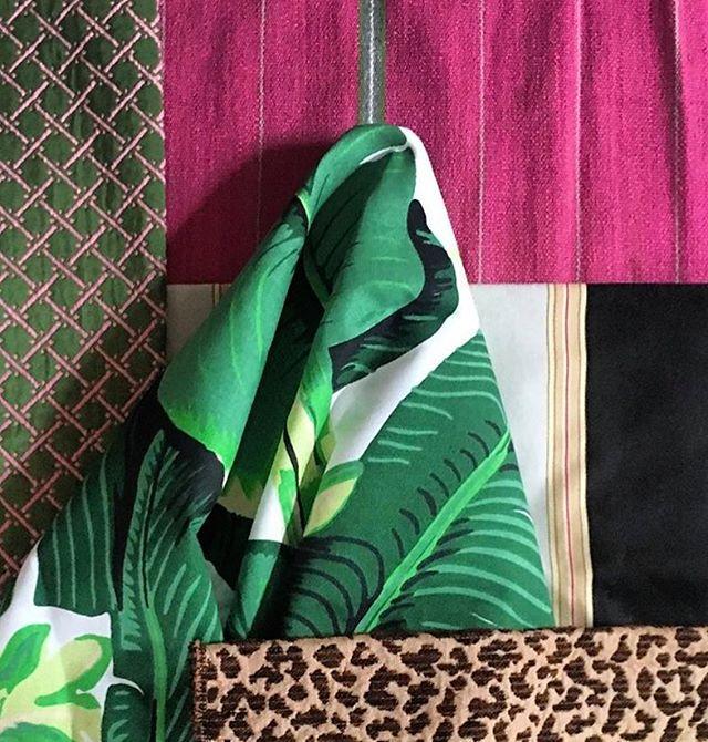 Love these fabrics 💕💚 @dorothydraperco #carletonvarney #brazilliance #bananaleaf #palmbeachchic