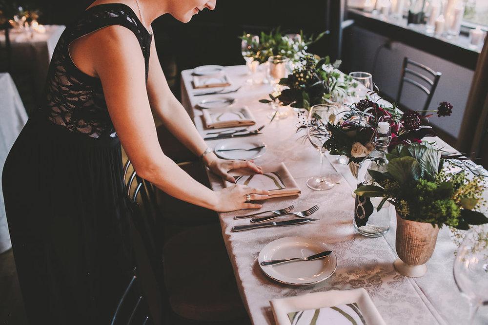 Personal - * Wedding planner antes y durante el evento* Capitan de meseros* Meseros* Bartender's*Personal de limpieza en Baños*Personal de Mantenimiento* Hostess* Valet Parking
