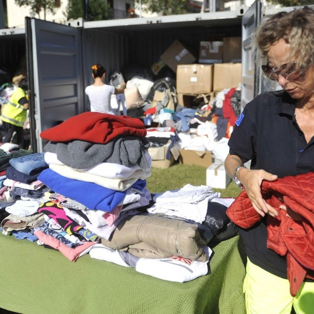 Italy earthquake cleanup.jpg