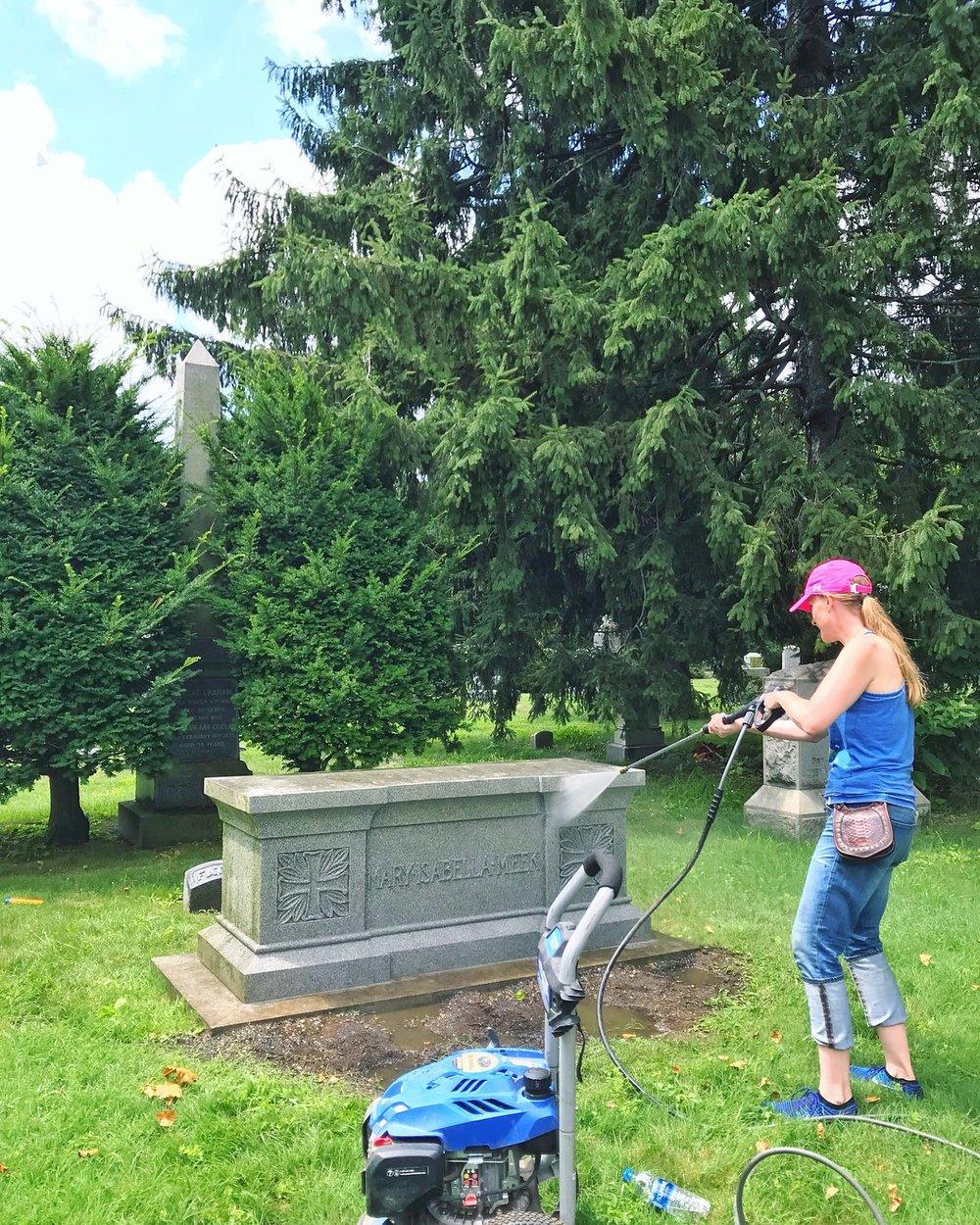 Lauren-Green-Wood-Preservation Volunteers-2018.jpg
