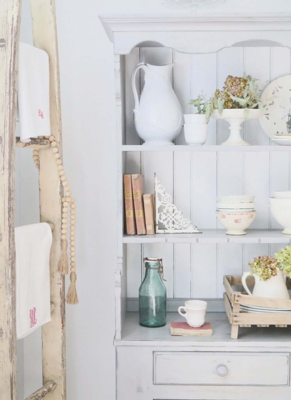Rare Corners provides home decor and styling services in South Jersey. Work with us today or shop our showroom for the best vintage finds in Haddonfield, NJ