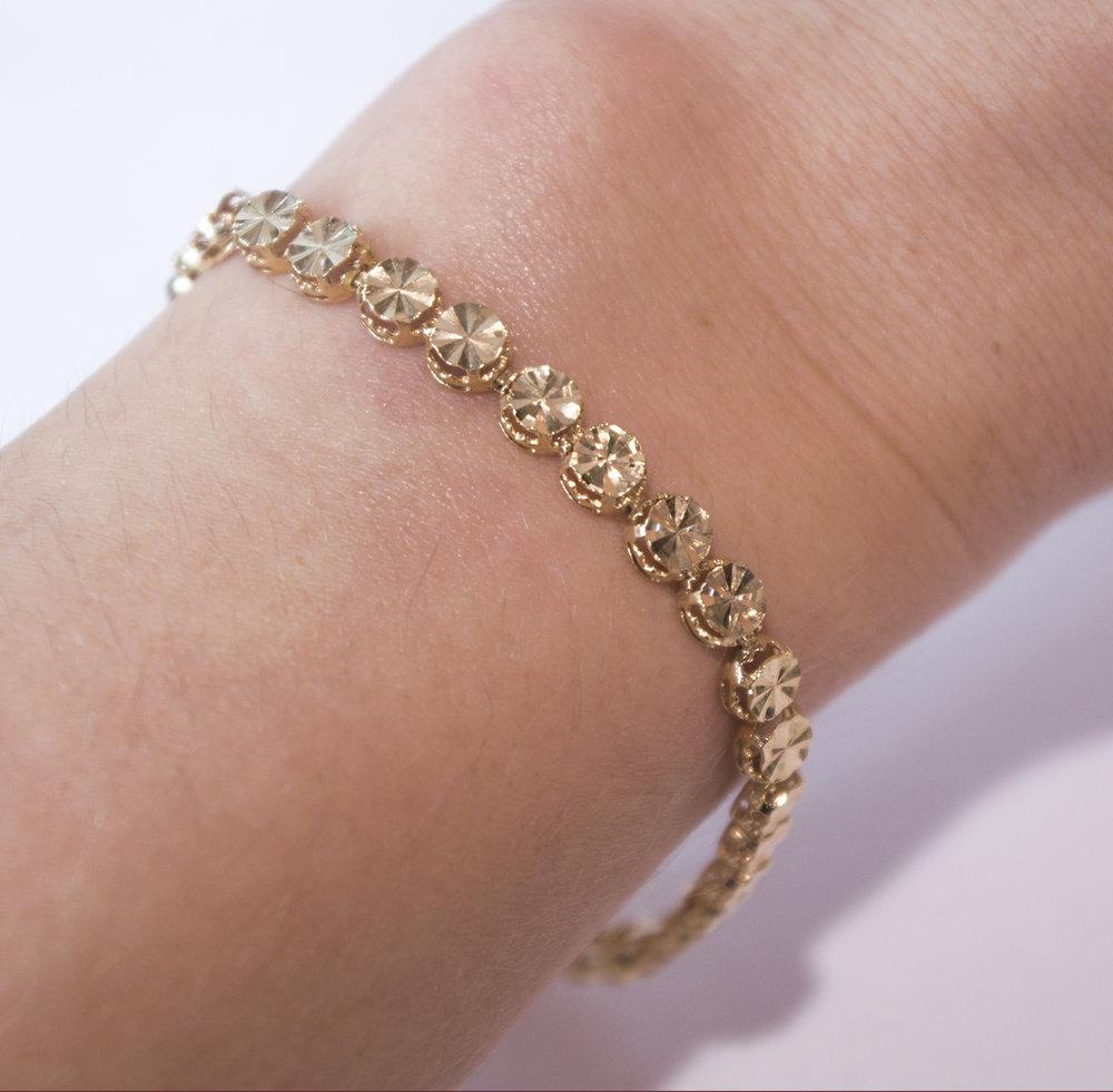 Estate 14KY swirl bracelet on.JPG