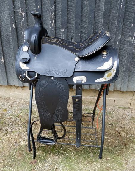 saddle_G_black_2.jpg